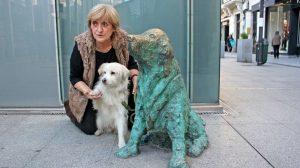 Ney mit Hund und Frauchen