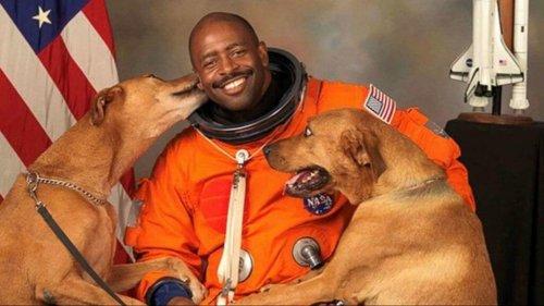 Der Astronaut, der seine Hunde ins Foto holte